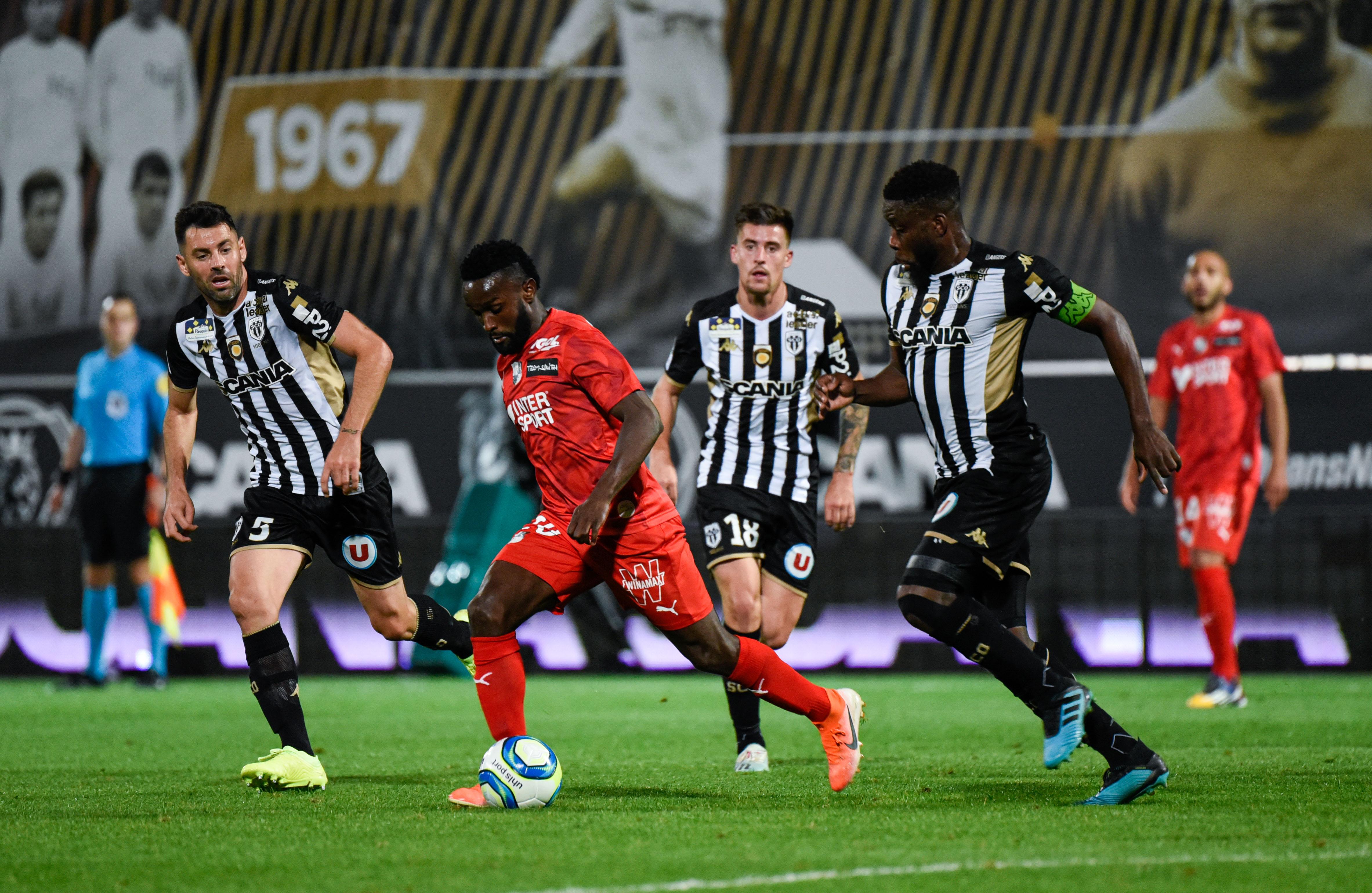 Sco Angers Calendrier.Amiens Sc Football Coupe De La Ligue Bkt Le Sco D Angers